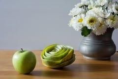 Todavía vida con la manzana verde Fotografía de archivo libre de regalías