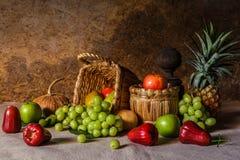 Todavía vida con las frutas Fotografía de archivo