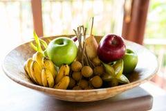 Todavía vida con las frutas tropicales exóticas Imagenes de archivo