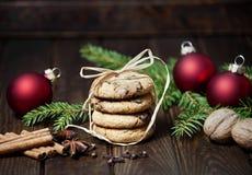Todavía vida con las galletas de la Navidad Imágenes de archivo libres de regalías