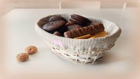 Todavía vida con las galletas de microprocesador de chocolate Fotos de archivo libres de regalías