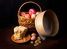 Todavía vida con las manzanas Fotos de archivo