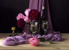 Todavía vida con las rosas Imagen de archivo libre de regalías