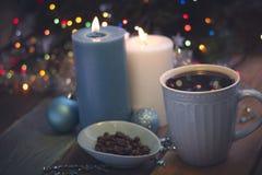 Todavía vida con las velas y el café ardientes Imagenes de archivo