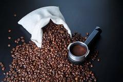 Todavía vida con los granos de café Fotografía de archivo