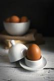 Todavía vida con los huevos amarillos Imagen de archivo