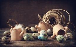 Todavía vida con los huevos de codornices Fotos de archivo libres de regalías