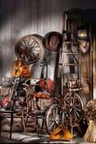 Todavía vida con los instrumentos musicales viejos Foto de archivo