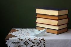 Todavía vida con los libros Imagen de archivo libre de regalías