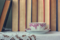 Todavía vida con los libros Imagenes de archivo