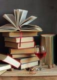 Todavía vida con los libros Foto de archivo