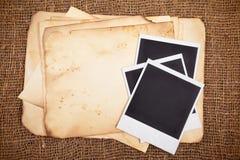 Todavía vida con los papeles viejos Imagen de archivo libre de regalías