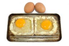 Todavía vida con los productos lácteos, los huevos, el pan y el queso Fotos de archivo libres de regalías