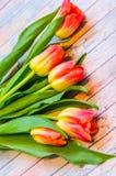 Todavía vida con los tulipanes Fotos de archivo