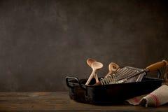 Todavía vida con los utensilios de la cocina Fotografía de archivo libre de regalías