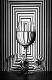 Todavía vida con los vidrios de vino foto de archivo