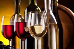 Todavía vida con los vidrios de vino Imagen de archivo