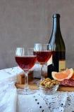 Todavía vida con los vidrios de vino Imágenes de archivo libres de regalías