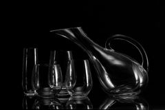 Todavía vida con los vidrios y la jarra de vino Fotos de archivo libres de regalías