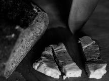 Todavía vida con pan y tocino fotografía de archivo