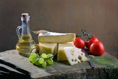 Todavía vida con queso Foto de archivo libre de regalías