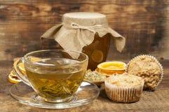 Todavía vida con té verde y miel Imágenes de archivo libres de regalías