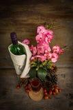 Todavía vida con una flor Imagen de archivo libre de regalías