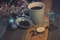 Todavía vida con una taza de café y una inscripción 2018 Foto de archivo