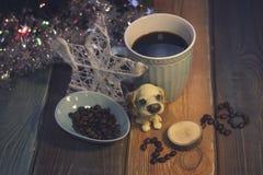 Todavía vida con una taza de café y una inscripción 2018 Imagenes de archivo
