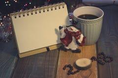 Todavía vida con una taza de café y una inscripción 2018 Imagen de archivo