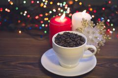 Todavía vida con una taza y las velas de café Fotografía de archivo