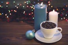 Todavía vida con una taza y las velas de café Imágenes de archivo libres de regalías