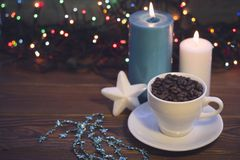 Todavía vida con una taza y las velas de café Imagenes de archivo