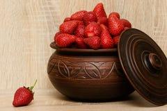 Todavía vida de fresas Imágenes de archivo libres de regalías