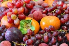 Todavía vida de frutas y de bayas Imagen de archivo libre de regalías