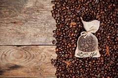 Todavía vida de los granos de café Imagen de archivo libre de regalías