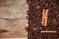 Todavía vida de los granos de café Imágenes de archivo libres de regalías