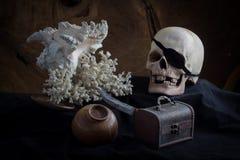 Todavía vida de piratas y del tesoro Fotografía de archivo libre de regalías