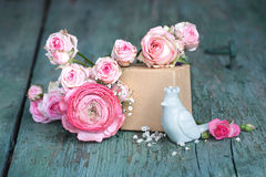 Todavía vida en el rosa para el día de madres Fotografía de archivo libre de regalías