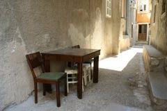 Todavía vida-table&chair Imágenes de archivo libres de regalías