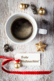 Todavía de la Navidad vida, taza de café, etiqueta Fotografía de archivo libre de regalías