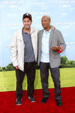 Todd Bridges und Adam Sandler Stockfotos