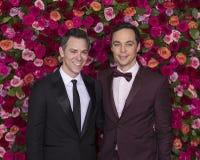 Todd Spiewak und Jim Parsons beim Tony Awards 2018 Stockfoto