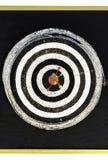 Todos os dardos no bullseye na placa de dardo Fotografia de Stock Royalty Free