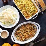 Todos os pratos laterais da ação de graças tradicional imagem de stock