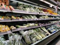 Todos os vegetais indicam no mercado imagem de stock royalty free