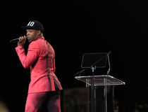 Todrick Hall Struts While Singing at Black Tie Dinner Royalty Free Stock Image