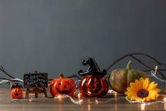 Toebehoren van Gelukkig Halloween-Festivalconcept Essentiële decoratie royalty-vrije stock afbeeldingen