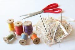 Toebehoren voor het naaien Stock Foto's