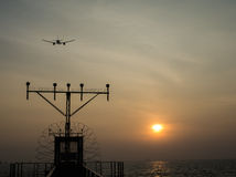 Toen het vliegtuig hoger dan de Zon vloog Stock Afbeeldingen